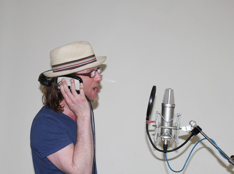 Actor Paul Kaye recording Captain Russell the pirate crow in audiobook Johnny No Cash by Music Audio Stories